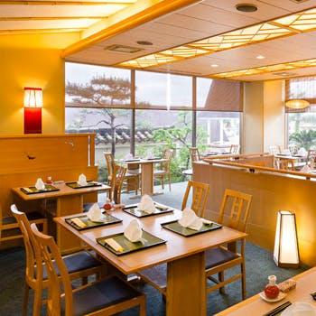 【お勧めあぐーカツ御膳】窓側確約!ゴーヤー・紅芋、あぐー豚と沖縄満載の御膳をお楽しみください。