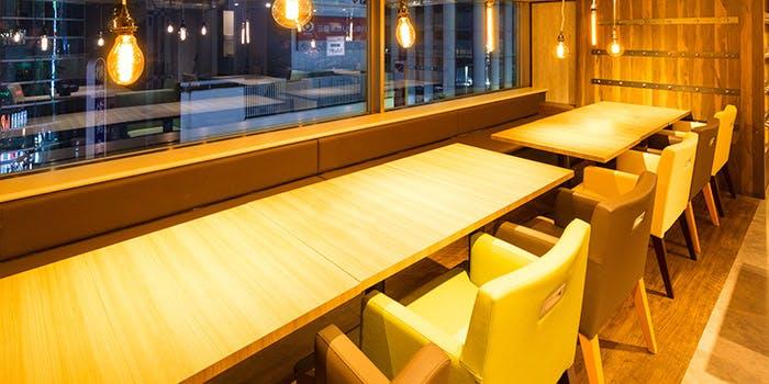 記念日におすすめのレストラン・Cheese Meets Meat YOKOHAMAの写真1