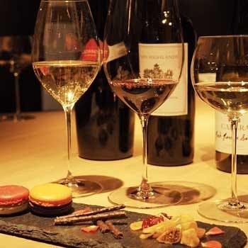 一度の来店で楽しめる数種類の美味しいワイン