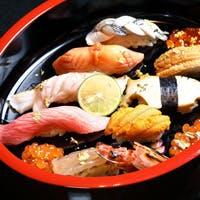 天然魚だけを使用した本格寿司と日本料理