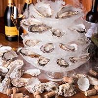 牡蠣のスペシャリストが厳選した牡蠣とワインをお愉しみください