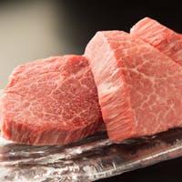 肉それぞれの旨みをを引き出す熟練の技