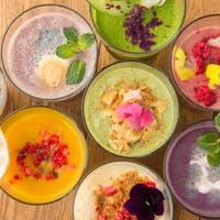 シェフ デイビット マイヤーズならではの彩り豊かな食材を使用したFood & Drink