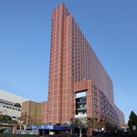 歌舞伎町にシックなレンガ色の外観をした新宿プリンスホテルB2にございます