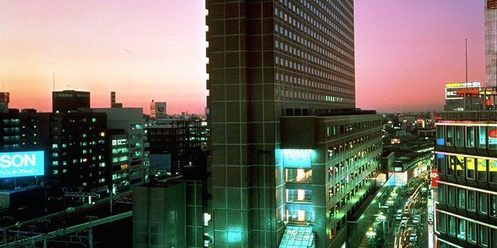 新宿 駅 近く の ホテル