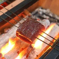 藁焼き、炭焼きの香り高いお料理をご堪能ください