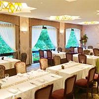 緑あふれる森のレストラン