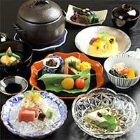 日本の四季を愉しむ美しい懐石料理で愉しむひとときを