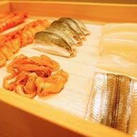 日本酒・地酒と共に鮨を愉しむ