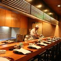 本場の江戸前寿司と揚げたて天ぷらを愉しむ2つのカウンター席