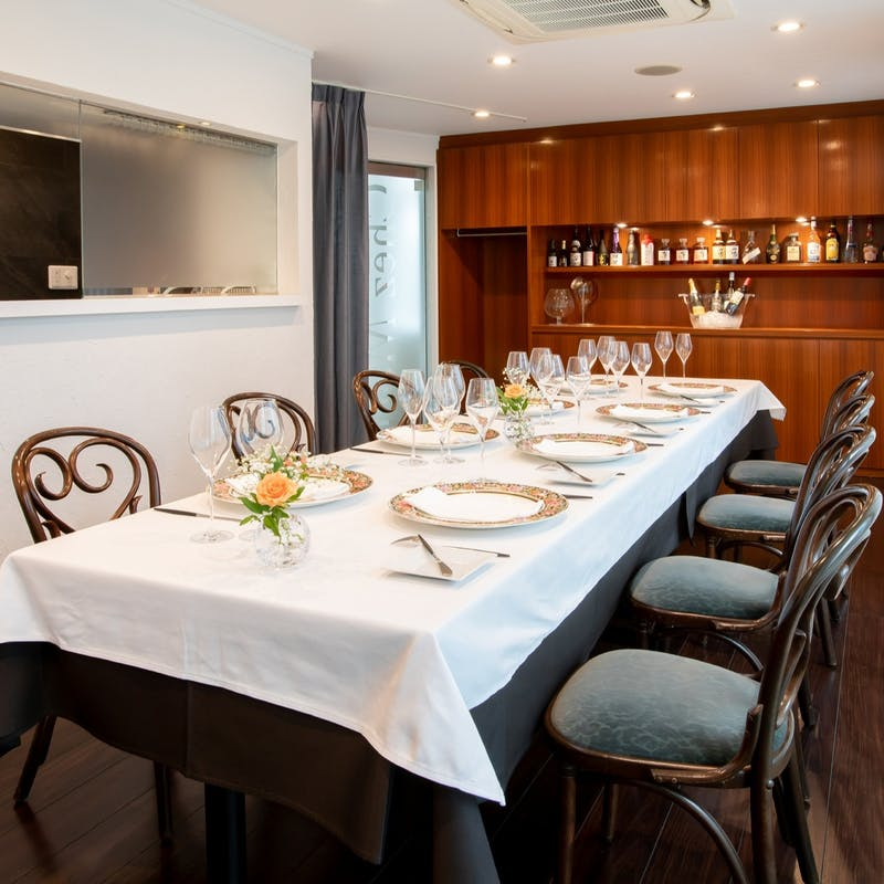 完全個室確約プラン 前菜3品、お魚料理、メインディッシュ、デザート(リクエスト予約)