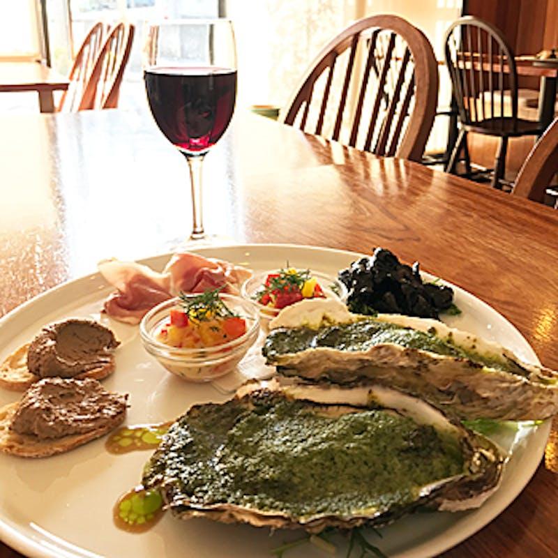 【コースA】前菜盛り合わせ、パスタ、選べるメインなど全4品