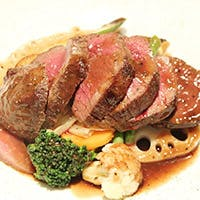 バラエティー豊かな肉料理