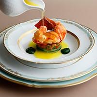 伝統的なフランス料理の中に現代風の技法を取り入れた「ル シェール」の本格フレンチ