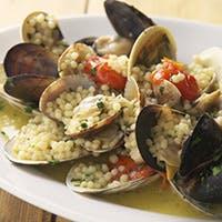全国の新鮮野菜や、サルディーニャの食材を使用した郷土料理