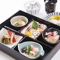 隠れ家の様な個室で京料理を堪能