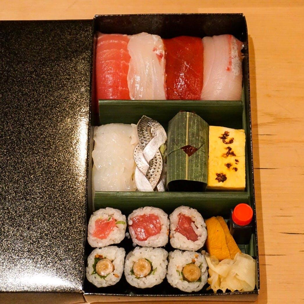 【テイクアウト】お勧め握り寿司「7貫+巻物+自家製玉子」