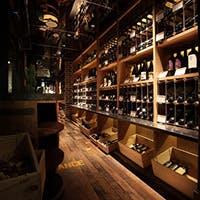 大型のワインセラーには60種200本以上のワインを常備