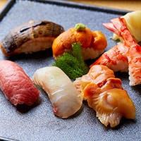 完全個室に木曽檜のカウンターも備えた、品川最大級の寿司割烹