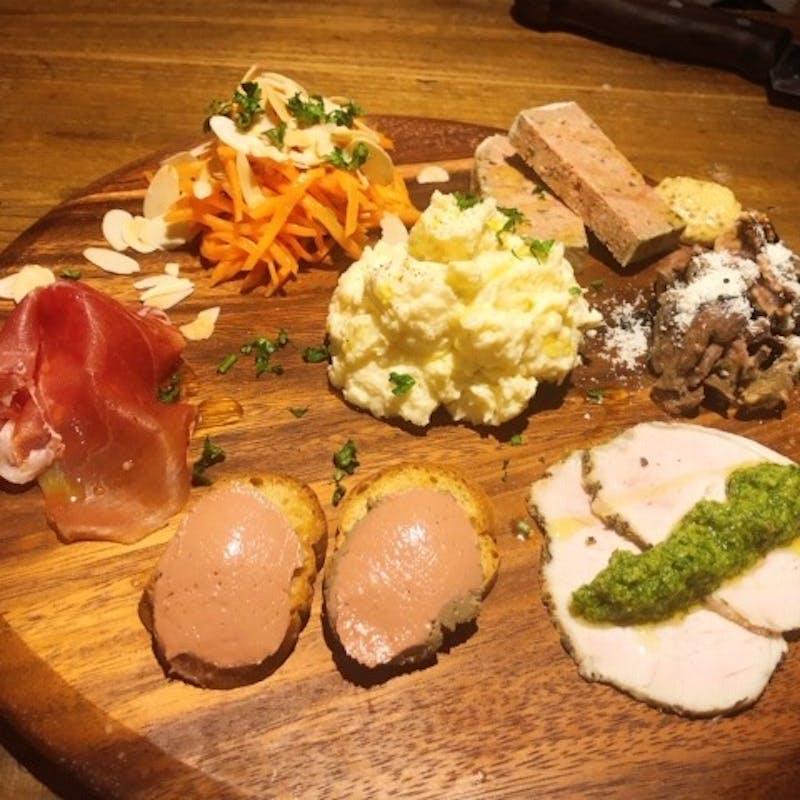 【女子会コース】色々な前菜をちょっとずつ ・デザート3種全14品+飲み放題(女性限定)