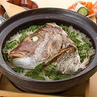 季節の旬食材を使用した「土鍋ごはん」