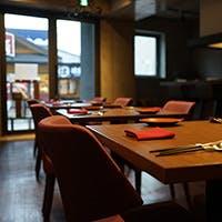 ゆとりある落ち着いた空間でゆっくりとお食事をお愉しみください