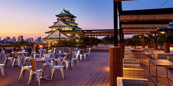 記念日におすすめのレストラン・BLUE BIRDS ROOF TOP TERRACEの写真1