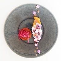 プロヴァンスの伝統料理をベースに現代的感覚で皿の上に表現