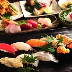 魚屋直営だからこその新鮮な美味しさを寿司職人が握る