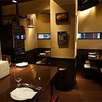 美味しいお料理とワインをしっとりと愉しむ隠れ家空間