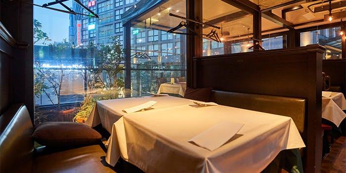 記念日におすすめのレストラン・OTTIMO seafood garden 新宿店の写真1