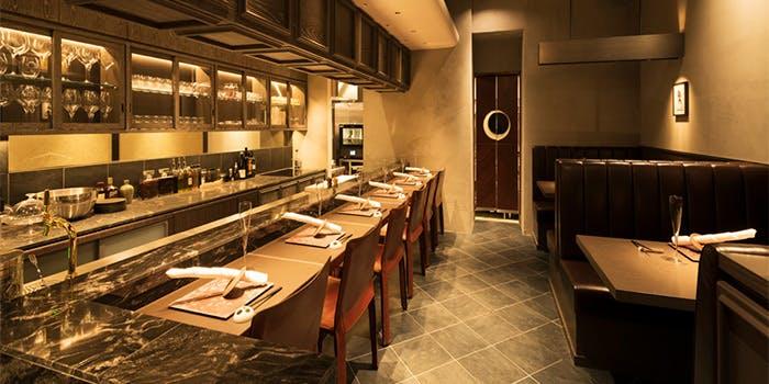 記念日におすすめのレストラン・海栗とワイン TSUKIHIの写真1