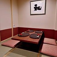 掘り炬燵式の完全個室を完備、プライベート空間で至福のひと時を