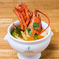 """Chef""""ガパオ鬼塚""""が美味しいお料理と最高のサービスで皆様に楽しい時間をご提供します"""