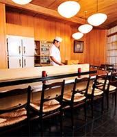 天ぷらを味わうなら臨場感を愉しむカウンターで