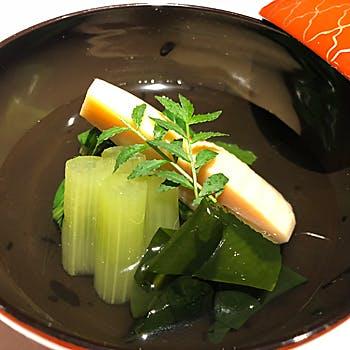 【京懐石コース】前菜からデザートに至るまで旬の食材を使用した料理を味わう全8品