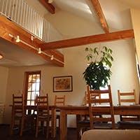 閑静な住宅街に佇む、完全予約制の隠れ家レストラン