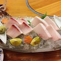瀬戸内海の季節の魚を中心に、四季折々の食材を使用した豊富なお品書き