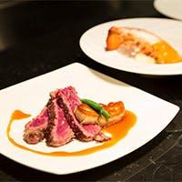 出来立ての料理など約80種以上の料理をお楽しみ頂けます。