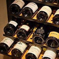 日本料理と相性の良いお酒をご堪能ください。ワインとのマリアージュも