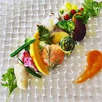 野菜を中心に全国の旬の素材を味わう珠玉の品々