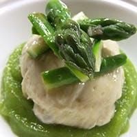 新鮮な野菜と毎日市場から仕入れた魚介中心の軽やかな本格フランス料理をご提供