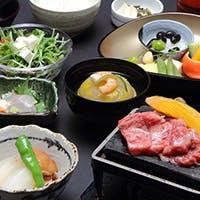 東京の夜景を眺めながら味わう、季節を愉しむ京料理