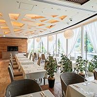 1つの空間に3つの空間を創造する新感覚のレストラン