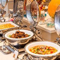 トロピカル料理と沖縄料理が夢のコラボレーション