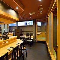 和の趣きある落ち着いた料理店