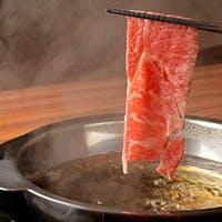 肉と和の融合を堪能、季節感じる一品料理も