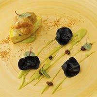 繊細な料理とソムリエ厳選ワインの秀逸なマリアージュ