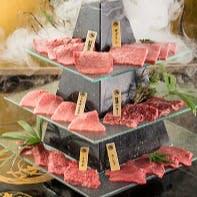 【記念日】メインをメッセージプレート付き肉タワーへグレードアップ!