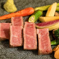宮崎牛を中心に厳選肉に舌鼓、A5ランクのヒレ肉も
